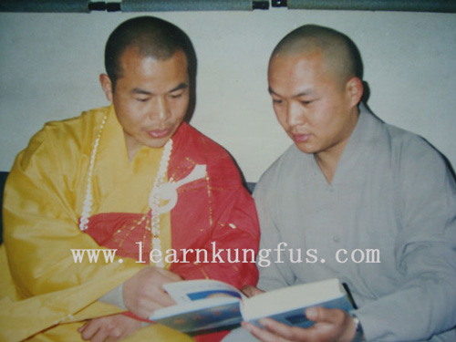 Study Buddhist Scriptures from master Shi De yang