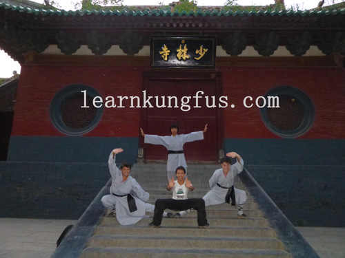 Students in shaolin temple