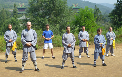 Train Chi kung in China shaolin temple